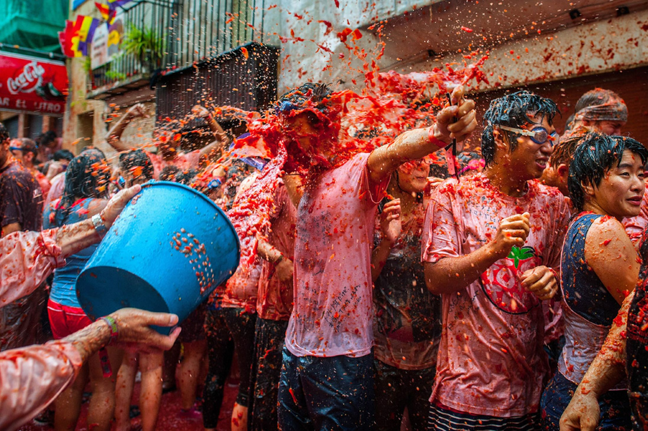 worlds quirkiest events tomatina