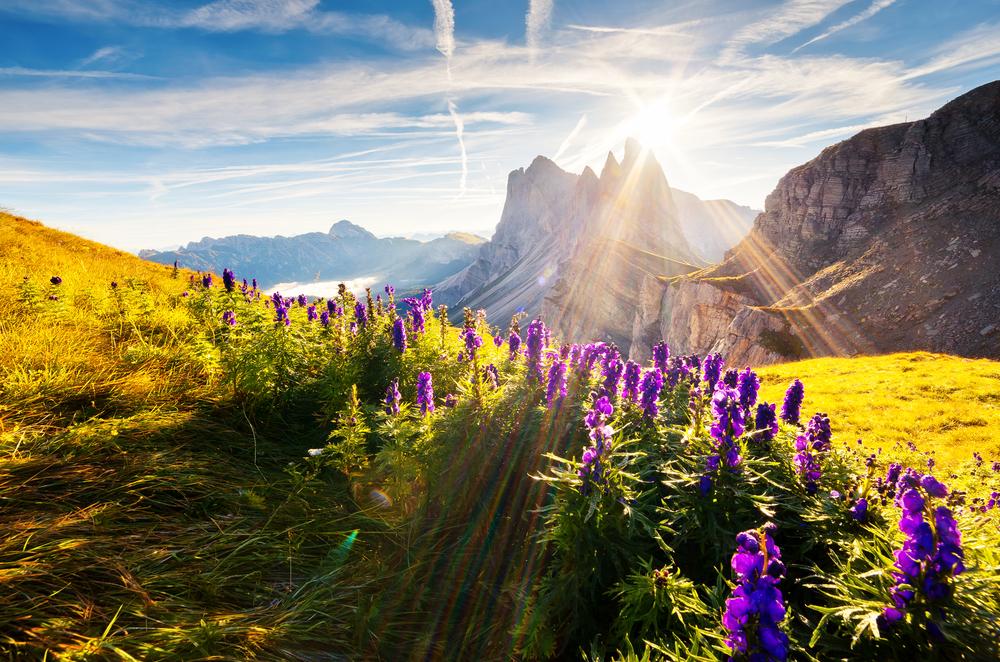Hut to hut hiking trip Dolomites