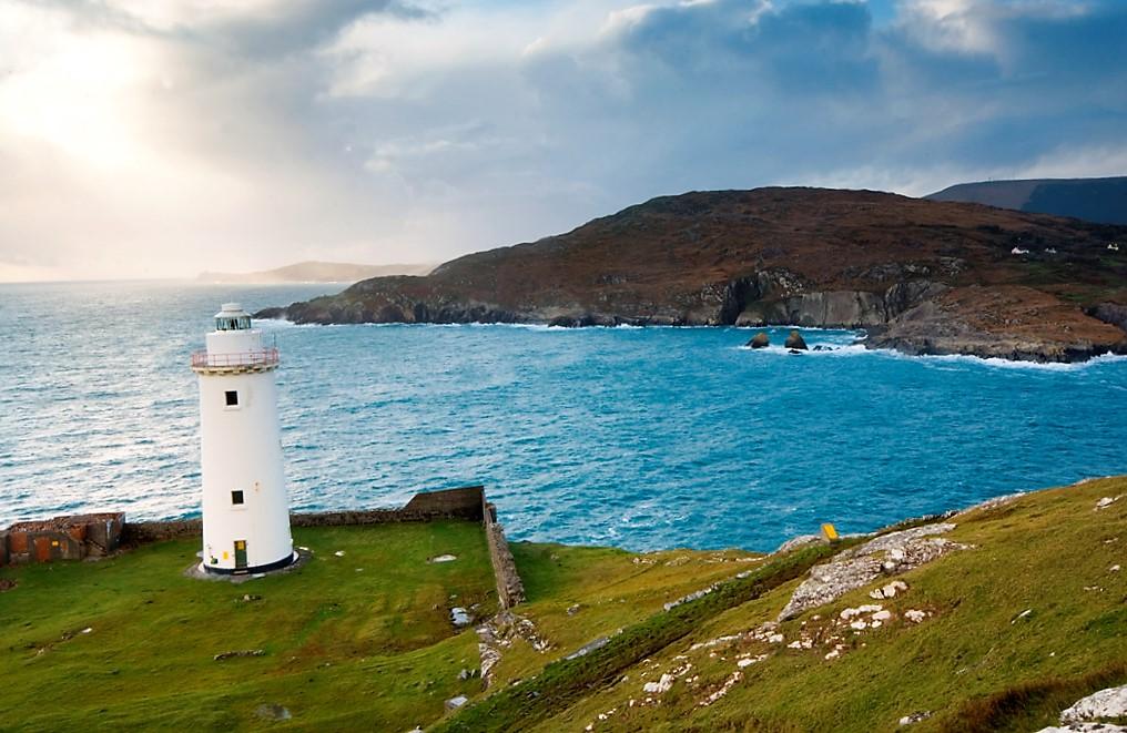 Bere_Lighthouse Irish Island Getaways