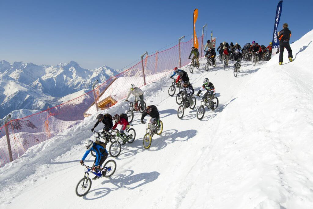 Alternative ski holidays Mountain bike Laurent Salino 1-4