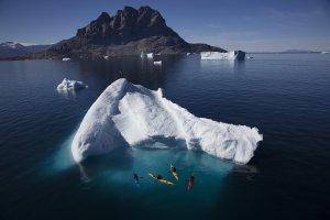 Kayaks from mast